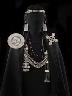 jewellery as a prop - tribal collection ? Gaucho, Tribal Jewelry, Indian Jewelry, Jose Luis Rodriguez, India Eisley, Olivia Hussey, Historical Clothing, Indigenous Art, Traditional Dresses