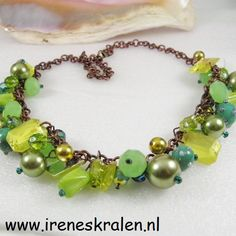 Ketting Groen Handgemaakt Verschillende glaskralen door irenesKralen, €17.50