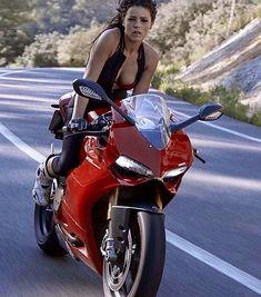 Jenifer riding the Ducati Panigale. Lady Biker, Biker Girl, Bobbers, Triumph Motorcycles, Custom Motorcycles, Motos Vespa, Chicks On Bikes, Motorbike Girl, Girl Bike