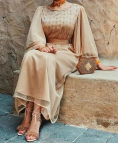 imageCaftan Gulab Moroccan Islamic Arabic Simple decor Art Ihsan Dress Hijab Bride with joy Arab Fashion, Muslim Fashion, Modest Fashion, Fashion Dresses, Hijab Evening Dress, Hijab Dress Party, Evening Dresses, Modest Wear, Modest Dresses