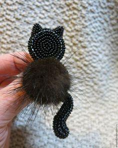 Купить брошь Мурзик - черный, котик, котик из бисера, брошь ручной работы, брошь с мехом
