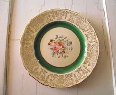 Johnson Bros Dinner Plate / Victorian Pattern / Floral by gazaboo Soft Chair, Victorian Pattern, Johnson Bros, English China, China Plates, Gold Gilding, Antique China, Floral Bouquets, Vintage Kitchen