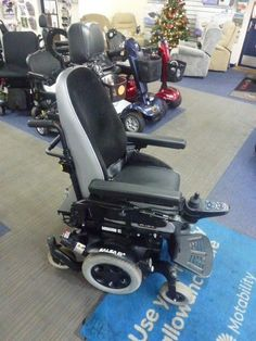 "2015 Quickie Salsa M2 MWD TILT AND LIFT 16"" Seat powered electric wheelchair"