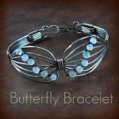 Learn to make Wire Wrapped Jewelry - Tutorials for Bracelets, Pendants, Rings, Earrings and more Repinned this. Am trying my hand at wire wrapping jewelry.