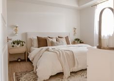 Taupe Bedroom, Neutral Bedrooms, Cozy Bedroom, Neutral Bedroom Decor, Bedroom Brown, Hygge, Apartment Master Bedroom, Dream Apartment, Big Bedrooms