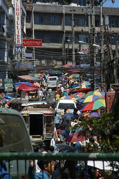 The hustle and bustle... I'm even looking forward to this. #Phillipines #balikbayan #cominghome