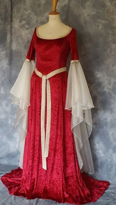 Items similar to Medieval Wedding Dress Renaissance Gown Elvish Wedding Dress Robe Medievale Pre-Raphaelite Dress Hand Fasting Gown Medieval GownIrma on Etsy Pagan Wedding Dresses, Renaissance Wedding Dresses, Fairy Wedding Dress, Medieval Gown, Renaissance Clothing, Black Wedding Dresses, Wedding Bridesmaid Dresses, Black Weddings, Wedding Black