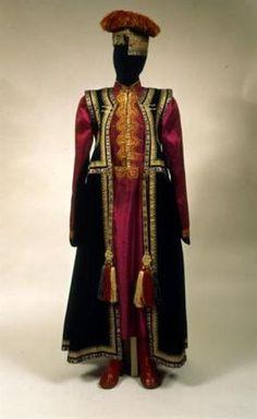 Калмыцкий женский костюм х1х начала хх вв
