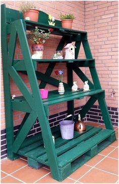 Estante de jardim feita com reaproveitamento de pallets...