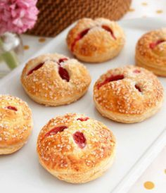 Recipe: Raspberry and White Chocolate Cream Hand Pie Summary: Each bite features fresh raspberries in a white chocolate cream, wrapped in flaky puff pastry…they're simply divine! Ingredients 1 tbsp. water All-purpose flour 1 pkg. (17.3 ounces) Pepperidge Farm Puff Pastry Sheets, thawed 1/2 of an 8-ounce package cream cheese, softened 2 tbsp. granulated sugar 1/2 …