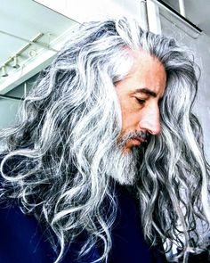 Ron Jack Foley become a true fashion icon, he blessed with confident eyes and perfect body structure. He shows that age cant stop the spirit of lif… Grey Hair Men, Long Gray Hair, Silver Grey Hair, Curly Gray Hair, Old Man Long Hair, Lilac Hair, Pastel Hair, Green Hair, Blue Hair
