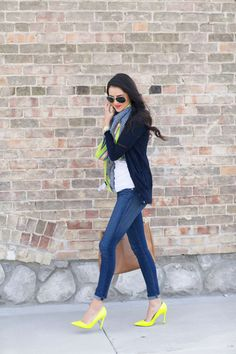 outfit perfection, white tee, skinny jeans, long cardigan, colorful scarf and heels