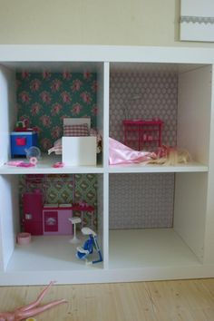 DIY - Barbie house out of Expedit by Ikea