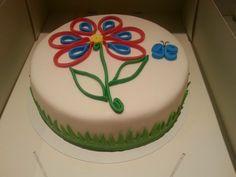 Quilling flower cake voor een verjaardag