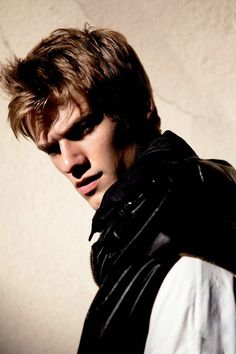 Lucas Till making shadows look appealing..