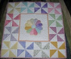 Wonderful handmade baby quilt combining pinwheels and Dresden plate. Cute Quilts, Lap Quilts, Scrappy Quilts, Small Quilts, Mini Quilts, Patchwork Quilting, Quilting Board, Hand Quilting, Quilt Baby