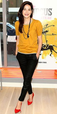 Mustard sweater + black pants + red shoes