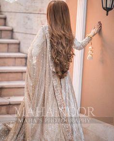 Asian Bridal Dresses, Indian Gowns Dresses, Pakistani Bridal Dresses, Wedding Dresses For Girls, Flower Girl Dresses, Pakistani Mehndi, Pakistani Girl, Pretty Quinceanera Dresses, Sparkly Dresses