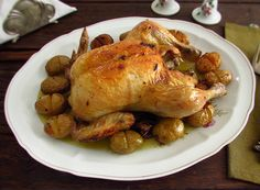 Chicken with roasted potatoes | Food From Portugal. A simple and delicious recipe, chicken seasoned with salt, nutmeg, lemon juice, margarine and pepper, that goes to the oven with potatoes, drizzled with olive oil.  http://www.foodfromportugal.com/recipe/chicken-roasted-potatoes/