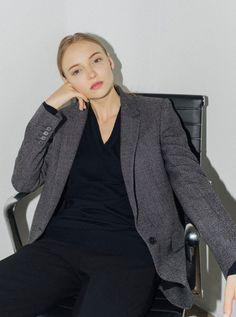 Офисный гардероб: из чего складывается деловой стиль, в покупку каких вещей стоит инвестировать, как создать свой рабочий гардероб.