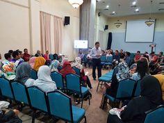 Bicara Peluang Melanjutkan Pengajian di Peringkat Pasca Siswazah bersama Dekan FAB | Photos