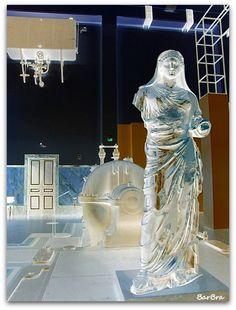 ... La statua raffigura Agrippina Minore, nipote e moglie di Claudio, come Orante http://ilmioblogdiprova.over-blog.it/2013/11/agrippina-minore.html