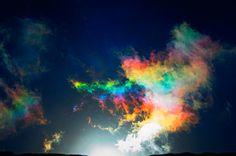 Arco-íris de Fogo - é formado esse na horizontal e reflete a luz através de pequenos cristais de gelo