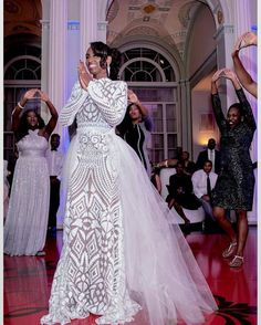 The Nigerian wedding page is dedicated to the style & class obsessed bride out there, offering fun & fantastic wedding ideas & inspirations on the latest wedding trends, DIY and more 💏💑👰💍💎💐🎂👫💄💇😘😍👌! Nigerian Wedding Dress, African Wedding Attire, African Attire, African Fashion Dresses, African Dress, Nigerian Bride, Nigerian Weddings, African Weddings, Stunning Wedding Dresses