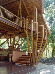 This beautiful Guadua bamboo house in Costa Rica, is located near Playa Sombrero at the Osa Peninsula. The bamboo house was designed and built by Costa Rican architect Mariela Garcia and her husband Steve Jurries. Bamboo Building, Natural Building, Building Art, Houses In Costa Rica, Bamboo House Design, Bamboo House Bali, Bamboo Palace, Bamboo Bamboo, Bamboo Structure