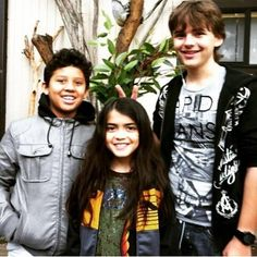 an old picture of prince and blanket from 2011 - prince-michael-jackson Photo Paris Jackson, Prince Michael Jackson, Mj Kids, Pictures Of Prince, Michael Love, Jackson Family, The Jacksons, Child Actors, You Are The Father
