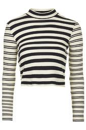 Discover the latest in women's fashion and new season trends at Topshop. Topshop Outfit, Spring Summer Trends, Spring 2016, High Neck Top, 2015 Trends, Funnel Neck, Everyday Look, Womens Fashion, Fashion Trends