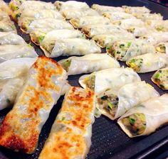 包まないからお子様でも簡単♪ 春雨でかさ増しして、ヘルシー&安上がり♡ ホットプレートでワイワイと! Pork Recipes, Asian Recipes, Gourmet Recipes, Cooking Recipes, Healthy Recipes, Ethnic Recipes, Japanese Food Dishes, Street Food Business, Sushi