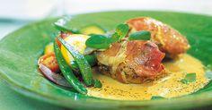 Snabb middagsfavorit med kycklingfilé, parmaskinka och krämig sås som snabbt får mycket smak från balsamvinäger, oregano och vitlök.
