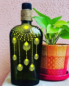 Painting Glass Jars, Painted Glass Bottles, Glass Painting Designs, Glass Bottle Crafts, Wine Bottle Art, Dot Art Painting, Bottle Painting, Diy Painting, Glass Art