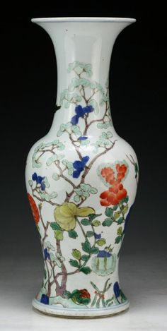 """Chinese Antique Famille Rose Porcelain Vase: signed with a double circle mark in cobalt blue on the base; Size: H: 15-1/4"""""""