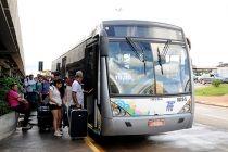 Ônibus executivo que sai do Aeroporto JK atende cerca de 18 mil passageiros por mês - http://noticiasembrasilia.com.br/noticias-distrito-federal-cidade-brasilia/2016/01/25/onibus-executivo-que-sai-do-aeroporto-jk-atende-cerca-de-18-mil-passageiros-por-mes/