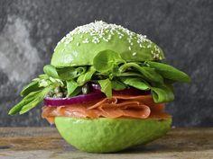 City envy: we want an avocado café like Amsterdam Avocado Cafe, Avocado Burger, Menu Burger, Gourmet Burgers, Veggie Recipes, Beef Recipes, Vegetarian Recipes, Hamburgers Gastronomiques, Crazy Burger