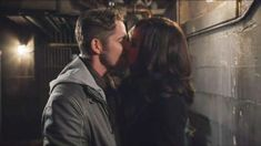"""Once Upon A Time 5x21 Regina Robin Kiss at the Passageway """"Last Rites"""" Season 5 Episode 21 - YouTube"""