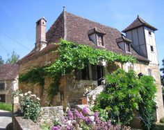 Visit Carennac in France - The most beautiful scenery in the world - Download Free Wallpapers
