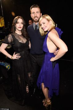 Looking for a dime! 2 Broke Girls stars Kat Dennings and Beth Behrs cuddled up to Chris ba...