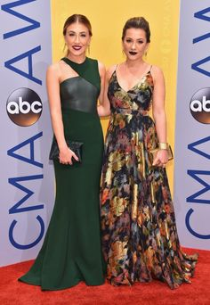 20 Cant-Miss Red Carpet Looks from the 2016 CMAs via Brit + Co
