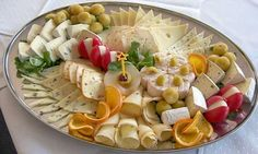 Fab Festive Fruit Platter Arrangememt: DIY Festive Fruit Platter for Christmas and Holiday or Any Party: Party Fruit Serving Idea Food Platters, Cheese Platters, Catering Platters, Food Buffet, Cheese Dishes, Cold Finger Foods, Baby Shower Appetizers, Wine And Cheese Party, Wine Cheese