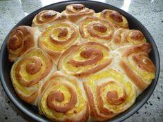 Das perfekte Rosenkuchen mit Vanillepudding-Rezept mit einfacher Schritt-für-Schritt-Anleitung: Die Milch erwärmen( ca. 1 Minute bei 600 W in der…