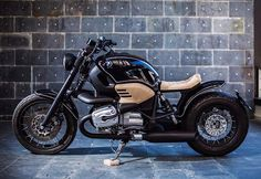 Here we go!! Roa #13!! Making difference between before and after..bmw r1200c by @roamotorcycles done! @codiandco