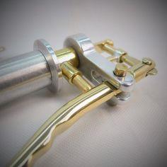 Throttle Carabiner Keychain-2 por EdcApparatus en Etsy
