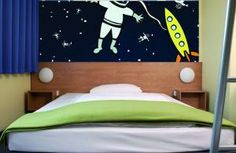 In The Cosmos with guest room in B&B Hotel Oberhausen.