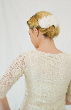 """Seidenblüte+Haarkamm+""""Pure+Silk""""+von+Seven+Heavens+Design+auf+DaWanda.com"""