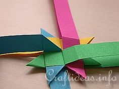 Free Craft Instructions - How to Make a German Paper Star (Froebel Star) Page 4