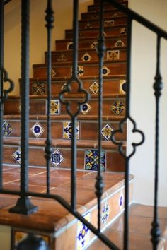 Wrought Iron Railing Design Ideas, Pictures, Remodel, and Decor - page 7 Iron Staircase, Wrought Iron Stairs, Mexican Tile Stairs, Diy Patio Decor, Painting Tile Floors, Tile Stairs, Wrought Iron Stair Railing, Stairs Design, Iron Railing