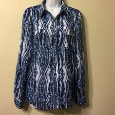 ANNE KLEIN  TOP S. 10 It's like new ,washable ,perfectly beautiful blouse Anne Klein Tops Button Down Shirts